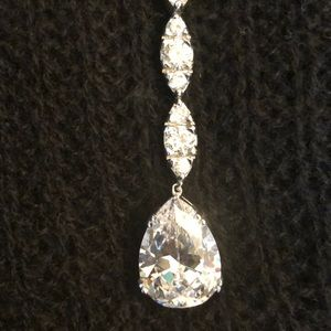 Jewelry - CRYSTAL CLEAVAGE PENDANT RED CARPET
